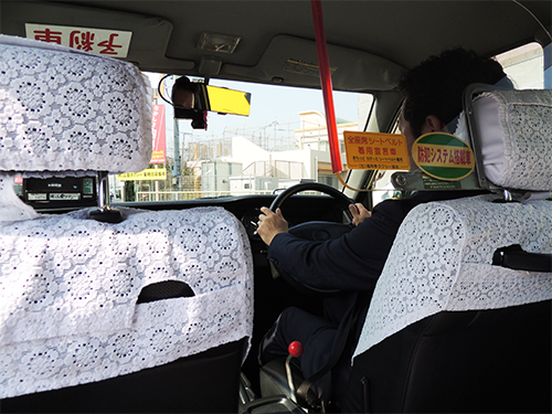 車内に防犯カメラ設置